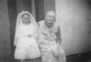 Alice Bonar (Alice Hamilton) in her later years with her granddaughter